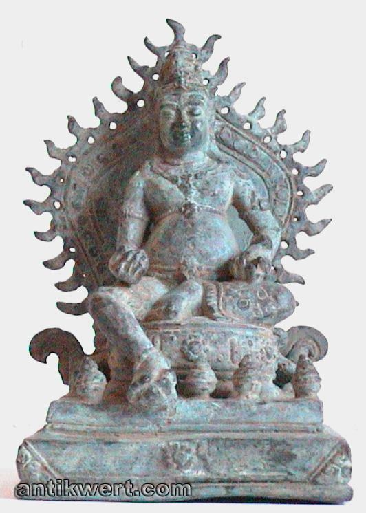 Shiva-indonesisch-253 in Virasana auf einem Thron mit Flammen-Aureole