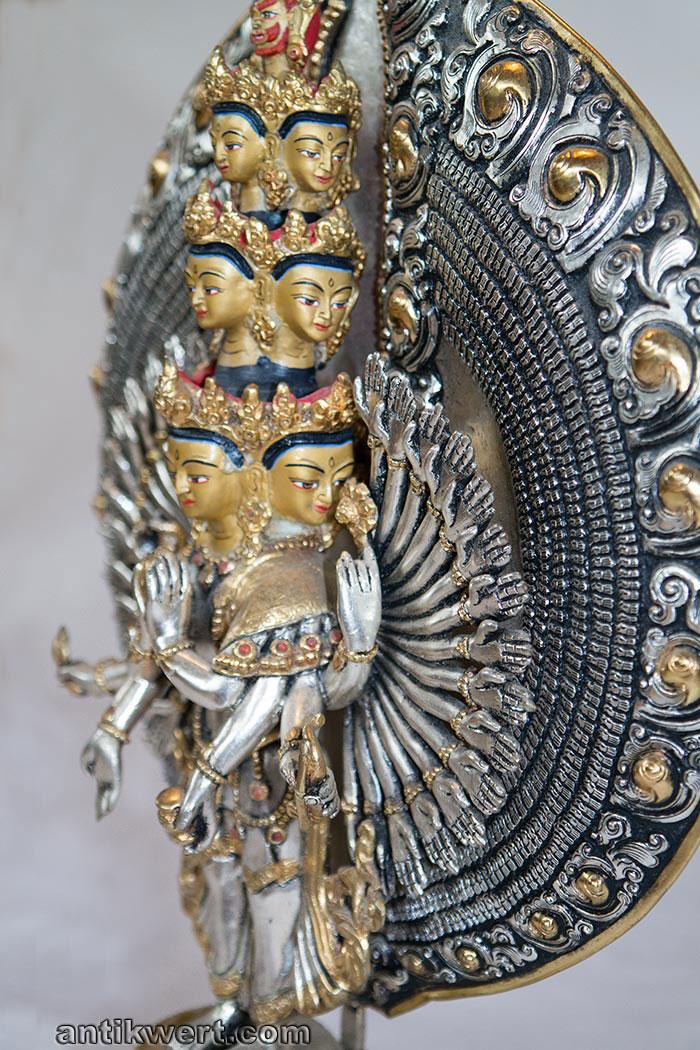 Avalokiteshvara-versilbert-vergoldet-223 Bild rechte Seite