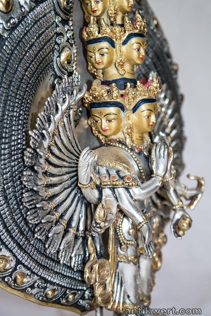 Avalokiteshvara-versilbert-vergoldet-223 Bild linke Seite