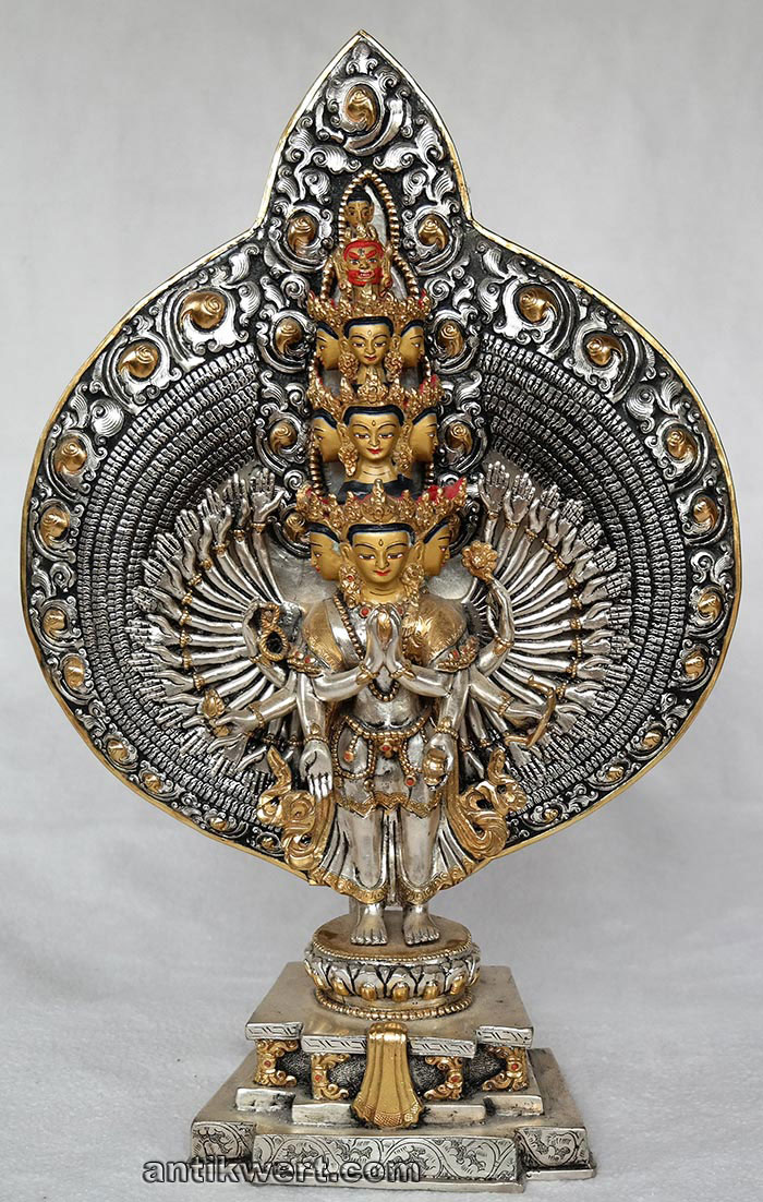 Avalokiteshvara-versilbert-vergoldet-223 von vorne