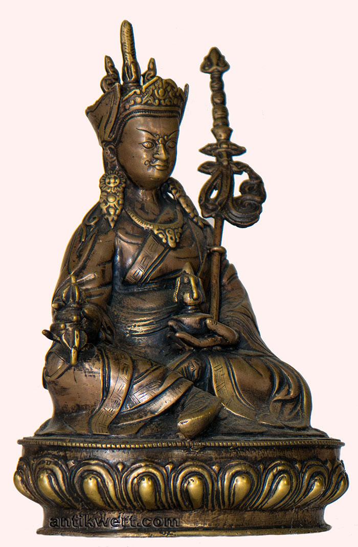Padmasambhava-antique-copper-151 Seitenansicht 2 mit Vajra