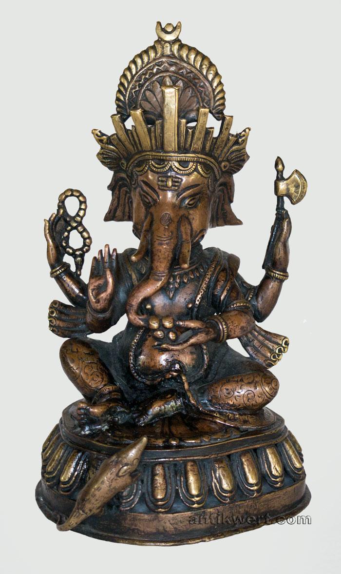 frontansicht der skulptur Ganesha-153