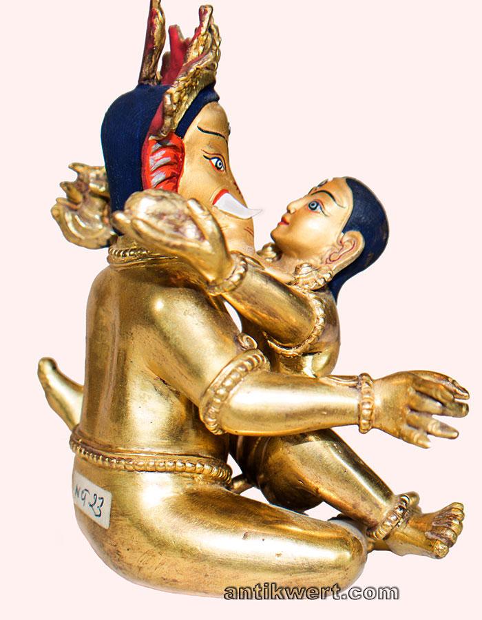 ansicht von innigste umarmung von ganesha und seiner shakti