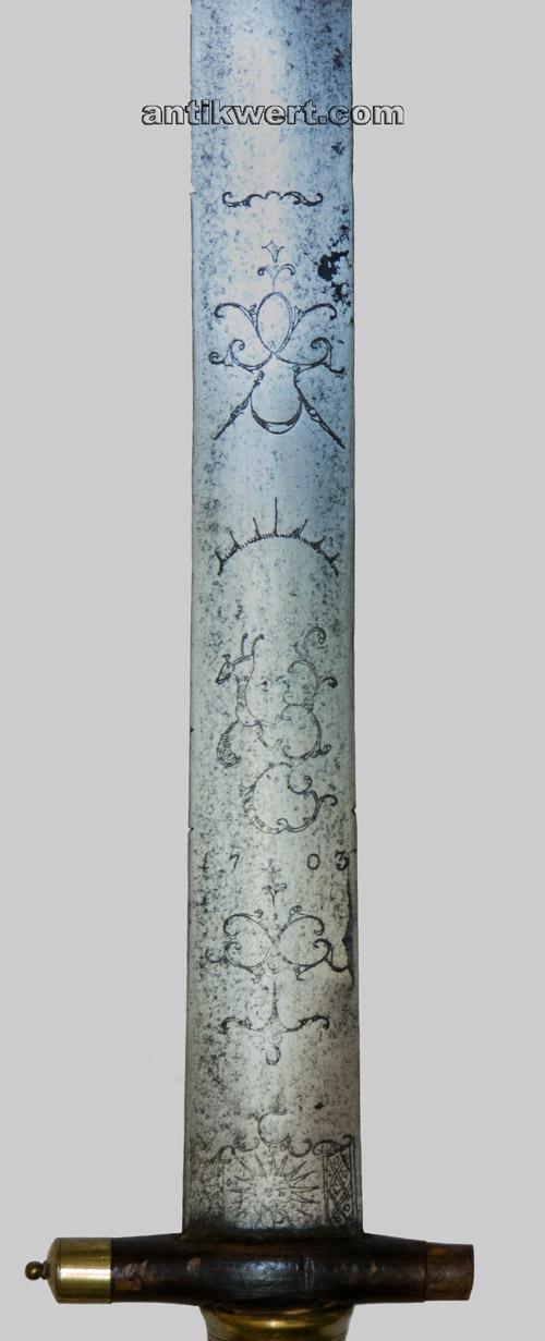 klinge von hirschfaenger-639 mit vergoldeter zieraetzung und datierung